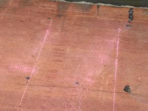 下地垂木に墨を付けて緊結させることが重要