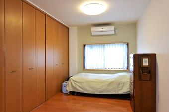 ゆめや施工例【K032神戸市T邸】寝室アクセントクロス