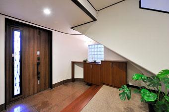ゆめや施工例【K023尼崎市I邸】玄関ホール